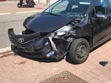 Bestuurder botst op geparkeerde auto in Nijkerk