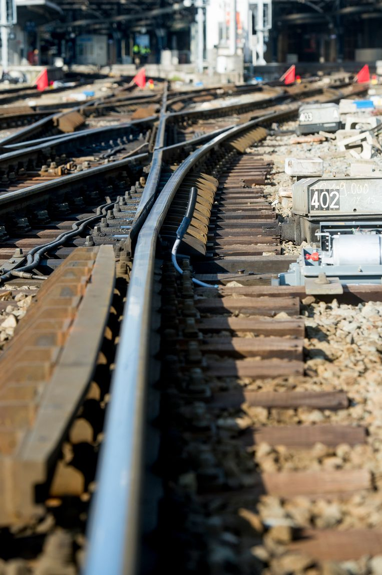 Illustration picture shows construction and empty tracks during the temporary closure of the North-South railway passage during construction, Saturday 29 April 2017, in Brussels. BELGA PHOTO FILIP DE SMET