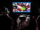 Methode waarbij de patiënt voor de operatie een stofje ingespoten krijgt, waardoor tijdens de operatie de tumoren in zijn lijf groen oplichten. Foto: Koen Verheijden.