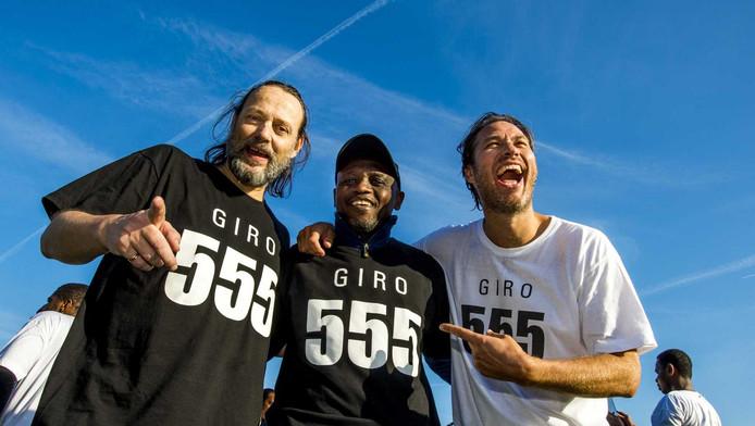 Hugo Borst (L) en Sander de Kramer (R) in actie voor Giro555.