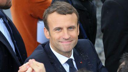 Hilarisch: twitteraars bewerken staatsfoto van president Macron