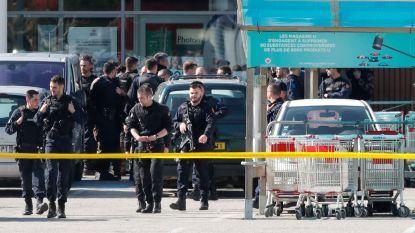 LIVE: IS eist aanslag Zuid-Frankrijk op, 26-jarige doodt drie mensen, politie schiet dader dood in supermarkt