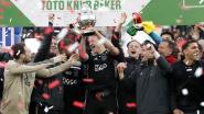 Een eerste trofee is binnen: Ajax pakt met Nederlandse beker eerste prijs in vijf jaar
