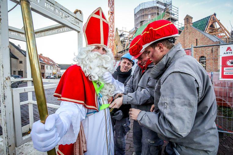 Sinterklaas kreeg hulp van de werkmannen