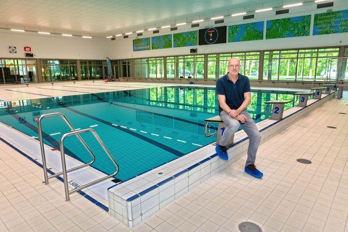 Etten-Leur - 08-05-2020 - Pix4Profs / Johan Wouters - Locatiemanager Jack Aarts van zwembad De Banakker in Etten-Leur. Het zwembad mag binnenkort weer open.
