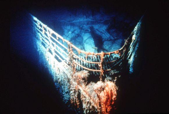 De Titanic zonk naar de bodem van de Atlantische Oceaan.