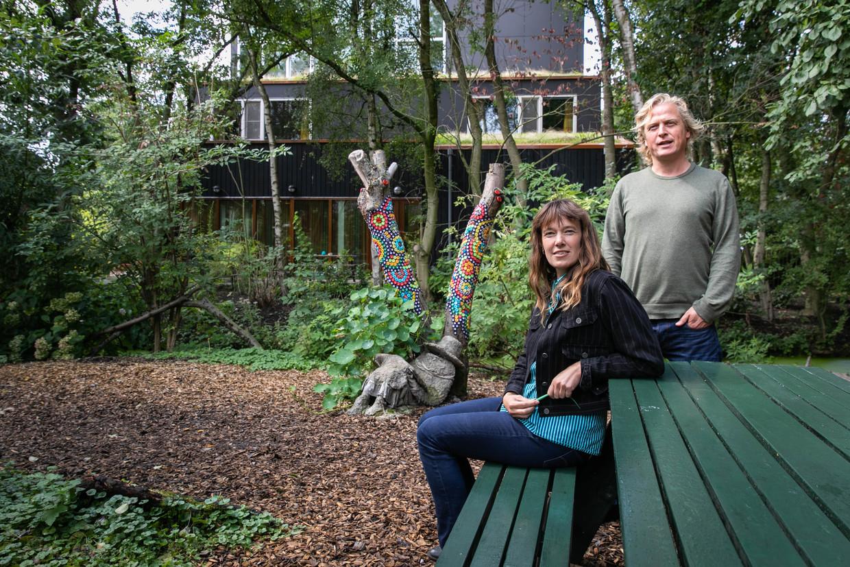 Eva de Rooij van Villa Buitenlust en Bart Blaauw van buurtboerderij Ons Genoegen.