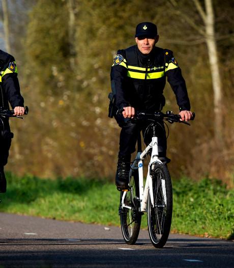 Tieners bestelen politieagent in Ommen: 'Jongens, m'n fiets wordt gestolen!'