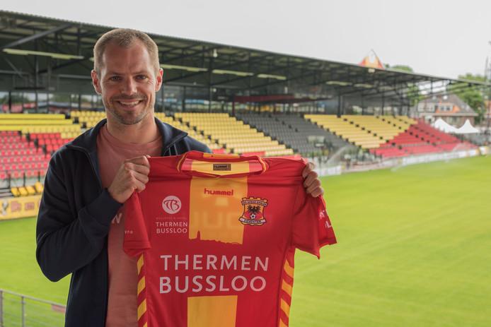 Istvan Bakx met het shirt van Go Ahead Eagles.