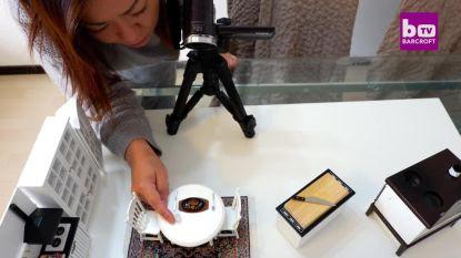 Kijk hoe deze ster verbluffende minigerechten bereidt in haar minikeukentje