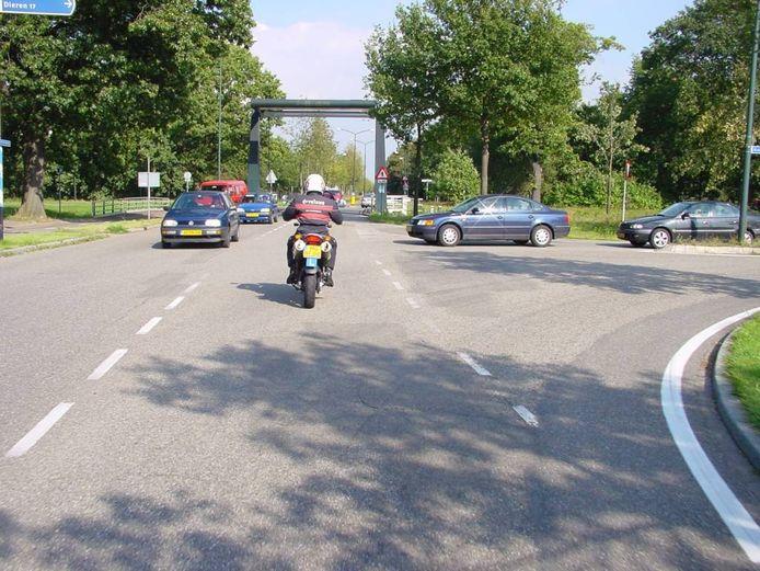 De driesprong Lange Amerikaweg/ Kanaal Zuid vraagt alle aandacht. foto Gerard van Veluwen