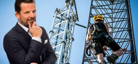 Een 5G-meldpunt? Zeister PvdA hengelt in vijver van electoraat dat meent dat de aarde plat is<br><br>