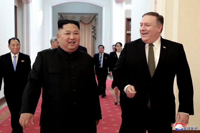 De Noord-Koreaanse leider Kim Jong-un samen met de Amerikaanse minister Mike Pompeo.
