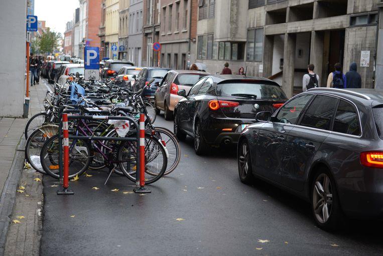Aanschuiven op Tiensestraat in Leuven. Het is een dagdagelijks tafereel tijdens de spitsuren maar volgens het onderzoek van TomTom is Leuven toch één van de betere leerlingen van de klas.