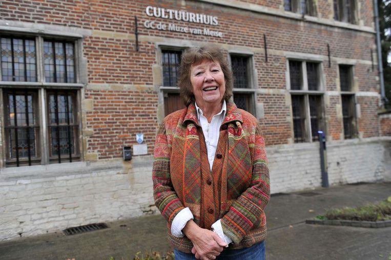 Tekstschrijfster Mary Boduin voor het Cultuurhuis in Meise.