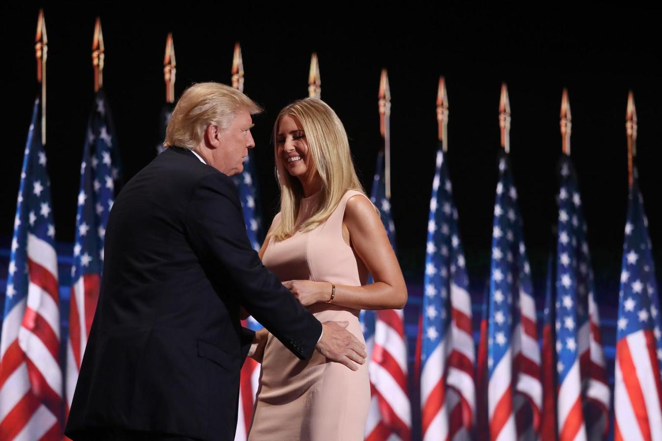 Waarom Ivanka Trump de échte first lady wordt | Foto | AD.nl