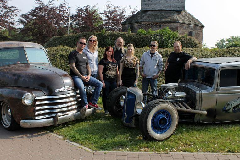 De V8 Brothers maken zich op voor de 8ste editie van de V8 Brothers Village in Gits