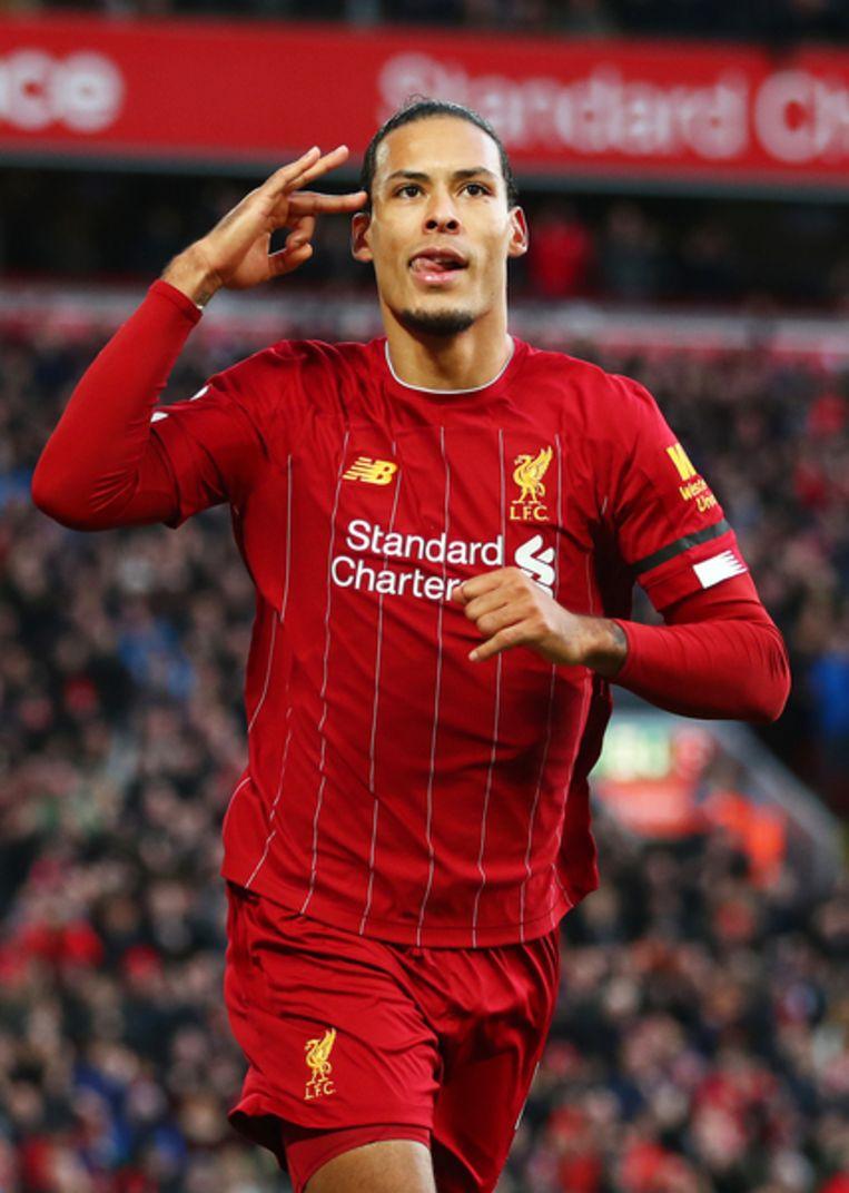 Virgil van Dijk viert zijn doelpunt tegen FC Brighton & Hove Albion.  Beeld Getty Images