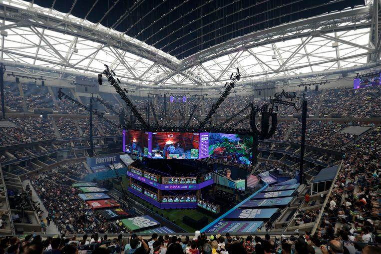 Een uitverkocht stadion voor de finalisten van het enkelspel Fortnite