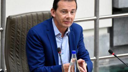 "Wouter Beke: ""Twee weken thuisquarantaine is te lang, één week moet voldoende zijn"""