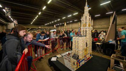 De kathedraal van Antwerpen schittert... in Lego