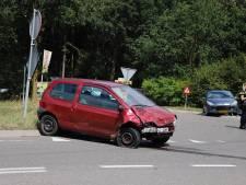 Auto's botsen op kruising in Haps