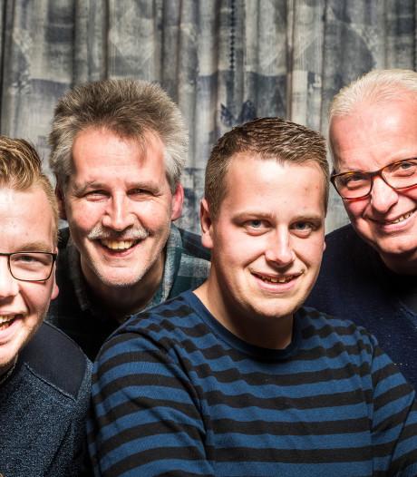 Wim Welink uit Den Ham treedt bij Hammer Cabaret op met zoon
