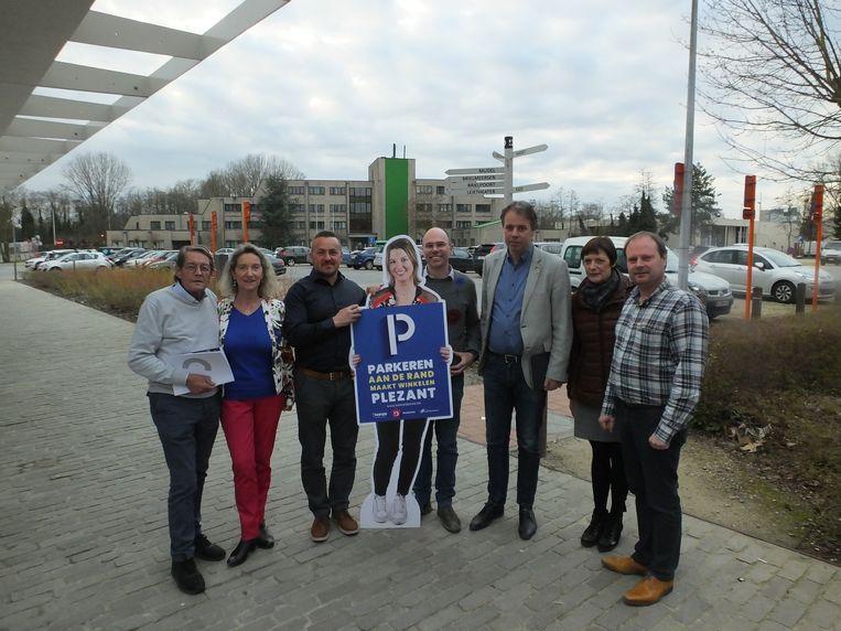 Het stadsbestuur Deinze zet haar gratis randparkings in de verf. Met 185 plaatsen is Parking Centrum aan de Brielstraat een van de grootste.