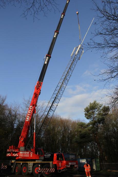 Na twee jaar eindelijk een nieuwe mast: Omroep Berg en Dal weer goed te ontvangen