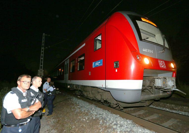 De trein bij Würzburg waarin de aanval plaatsvond. Beeld EPA