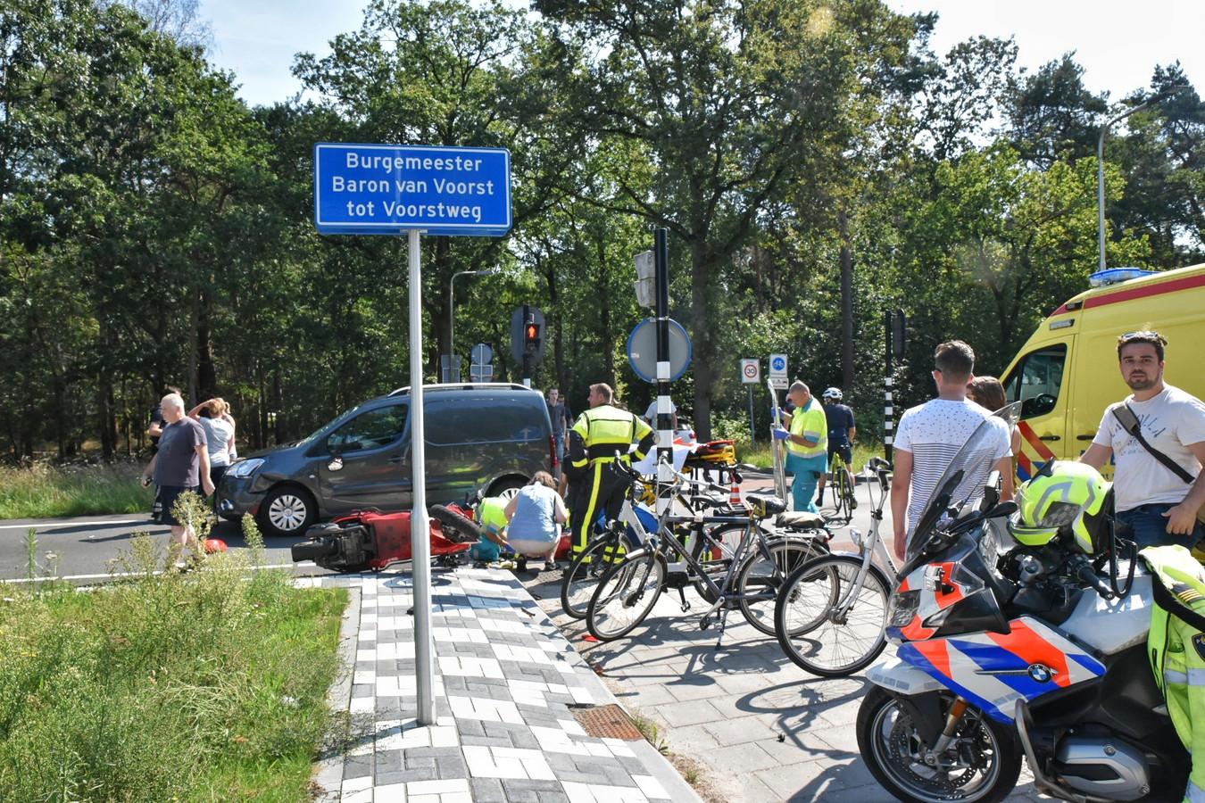 Ernstig ongeluk op de kruising van de Burgemeester Baron van Voorst tot Voorstweg met de Reeshofdijk in Tilburg
