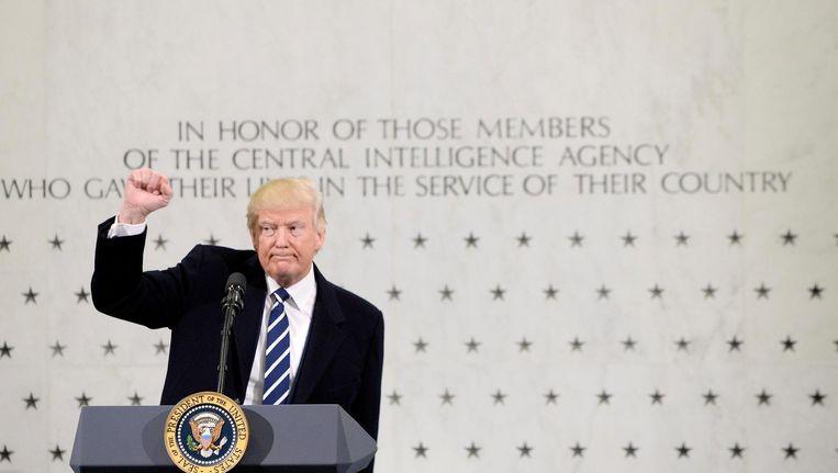 President Trump spreekt op 21 januari op het hoofdkantoor van de CIA in Langley voor het eerst medewerkers van de veiligheidsdienst toe. Beeld epa
