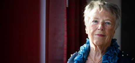 Almelose Jeanne groeide op in NSB-gezin: 'Oorlog is nog steeds niet voorbij'