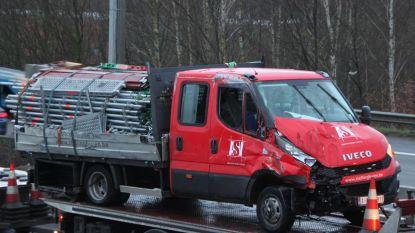 Snelweg weer vrij, maar nog steeds file op E17 na ongeval in Kortrijk-Oost