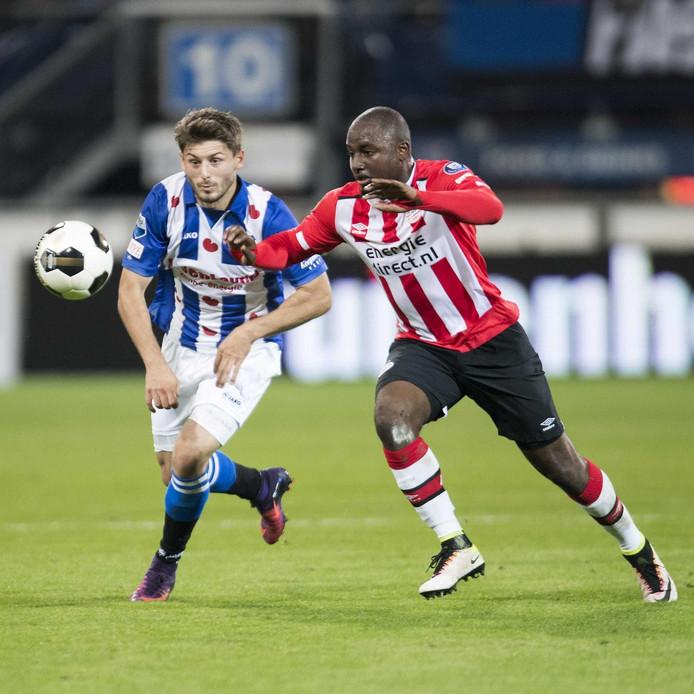 Zeneli duelleert met Willems van PSV