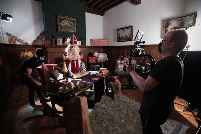 Bram van der Vlugt bij de opnames van de videoclip in het kasteel in Helmond.