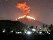 Éruption spectaculaire d'un volcan à Bali