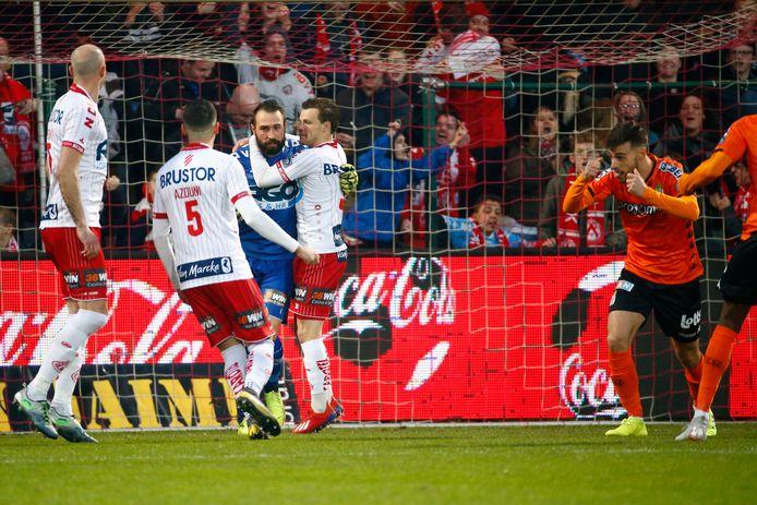 Een sfeerbeeld uit de wedstrijd van KV Kortrijk tegen Sporting Charleroi.