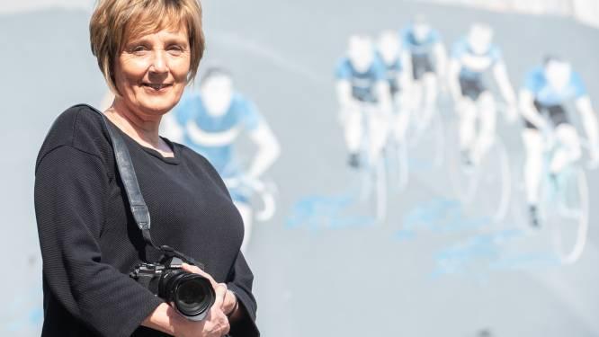Anneke exposeert portretten van alle nog levende Ronde-winnaars in het Centrum Ronde Van Vlaanderen in Oudenaarde