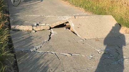Straat barst door hittegolf