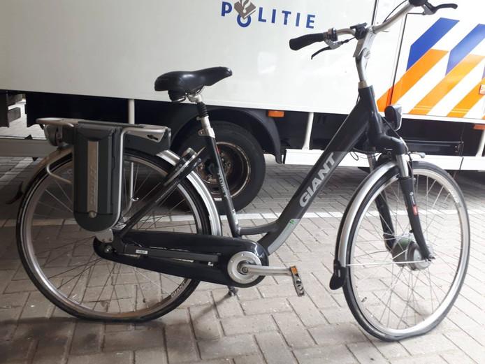 De Nijmeegse politie zoekt de eigenaar van deze elektrische fiets.