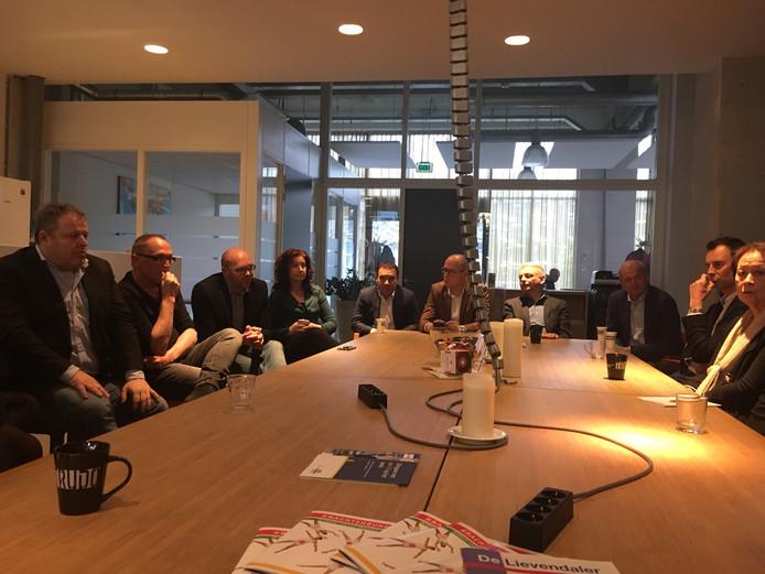 Bijeenkomst van Springplank040 met onder anderen (vlnr) Willy Swinkels, Thom Aussems, Thijs Eradus, Renate Richter en Pieter van der Leegte.