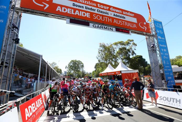 De start van de Tour Down Under Classic die vandaag door Caleb Ewan werd gewonnen.