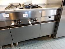 Van frituur tot designlamp: gemeente Werkendam verkoopt inventaris aan hoogste bieder