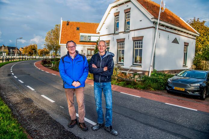 Maarten Blasse (links ) is eigenaar van een gemeentelijk monument. Rechts  Ruud Schrama die pleit voor een verhoging van het budget voor monumenten.