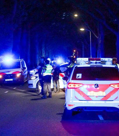 Man in Eindhoven dreigt met bijl en vlucht maisveld in