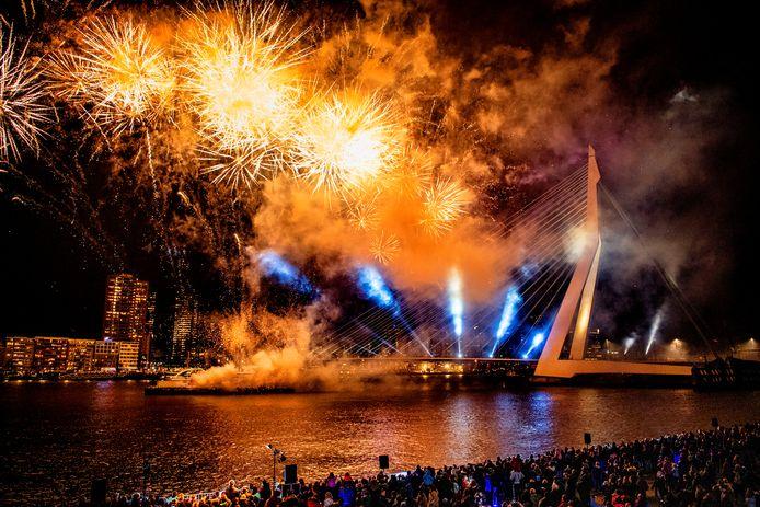 Georganiseerd vuurwerk in Rotterdam.