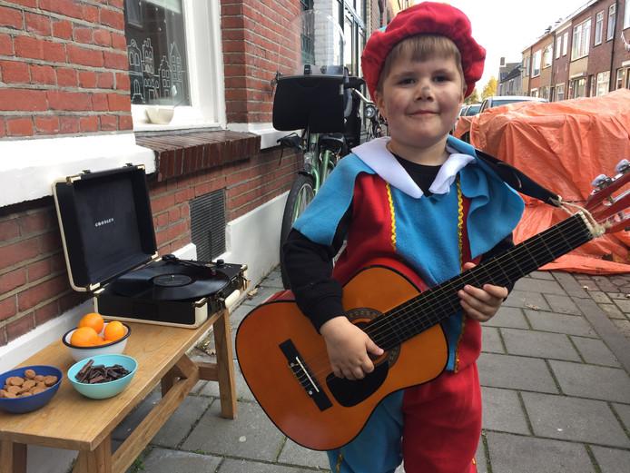 Ted Verweij is klaar voor de aankomst van Sinterklaas in Tilburg