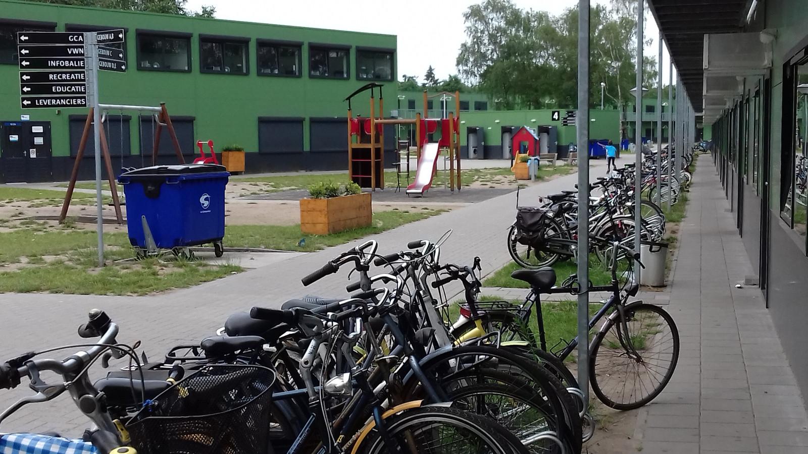 Het terrein van het azc in Harderwijk.