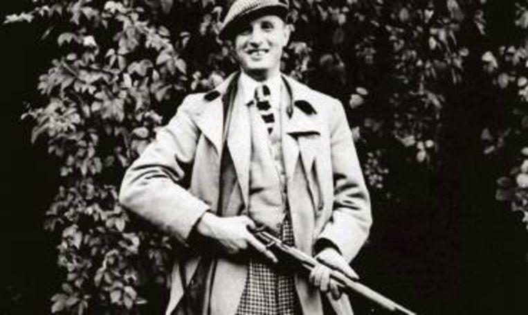 Cornelis den Tex met jachtbuks en plusfours, jaren dertig. (FOTO UIT BESPROKEN BOEK) Beeld